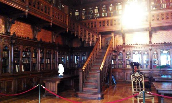 Библиотека из дерева в Эрмитаже